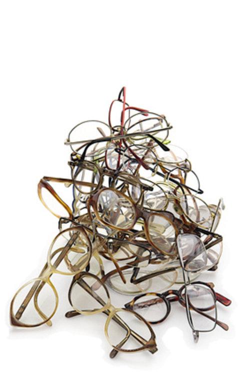 c6da14792327a1 Donner ses anciennes lunettes pour des personnes défavorisées - ADP ...
